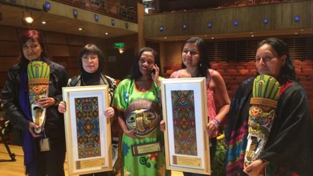 Ángela Robledo felicita a ganadoras de Premio Nacional a la Defensa de los Derechos Humanos en Colombia versión 2014