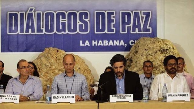 El ataque a Mockus y al proceso de paz. Por Juan Camilo Caicedo