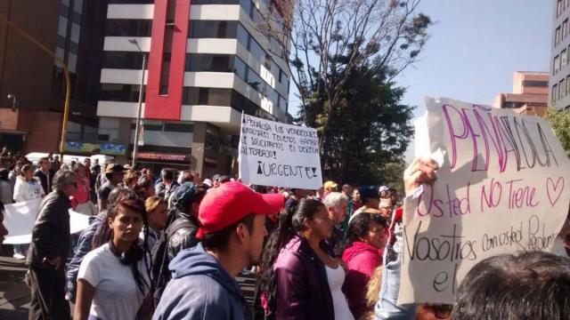 Gran movilización de vendedores informales en defensa de sus derechos