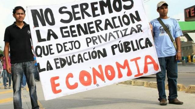 """""""El acuerdo por lo Superior"""": El reencauche de la fallida reforma a la educación"""