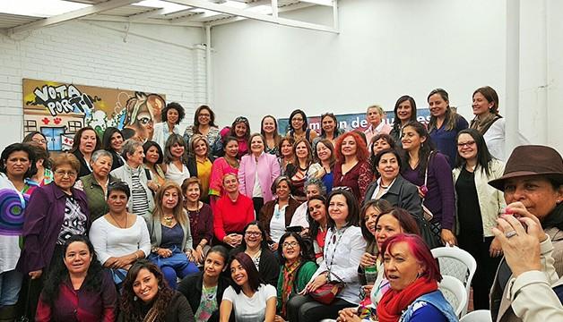 Conforman movimiento colombiano Un Millón de Mujeres de Paz