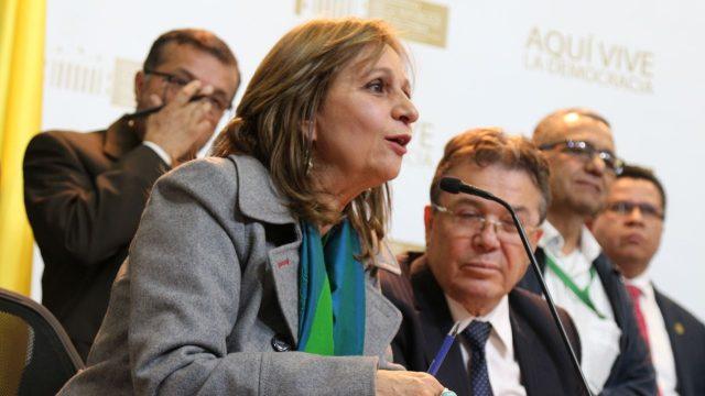 Representante Ángela María Robledo pidió archivar el Proyecto de Reforma Política.
